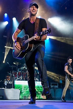 Luke Bryan at Cynthia Woods Mitchell Pavilion